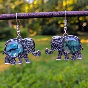 Jewelry - elephant earrings with an abalone belly